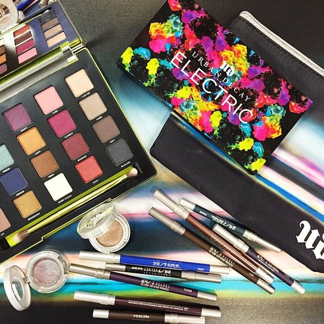 Gettin' inspired this Monday with a little color at #UDHQ.