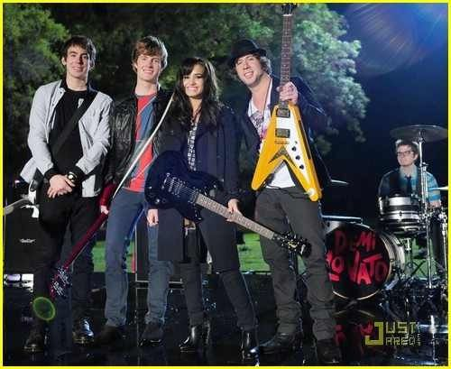 16-year-old Demi Lovato and her band. (2008-9) <3