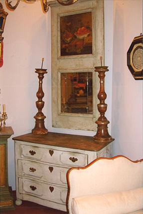 Posibilidad de conseguir piezas muy especiales Por mi trayectoria como anticuaria, tengo posibilidad de encontrar piezas exclusivas de época y muy decorativas como los troumeaux. Con más o menos de...