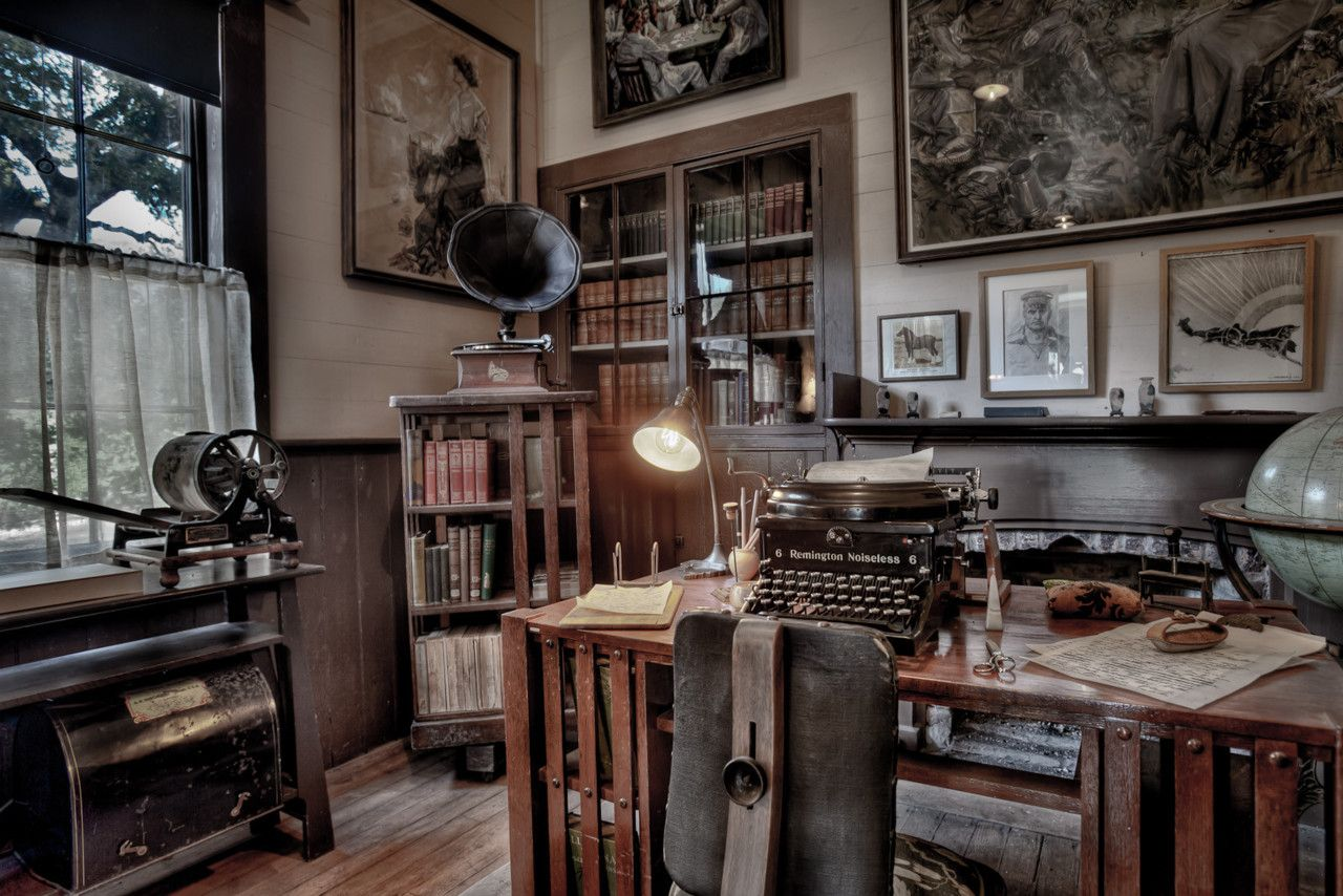 steampunk office. Inspiration - Set / Mood #steampunk #office #typewriter Steampunk Office I