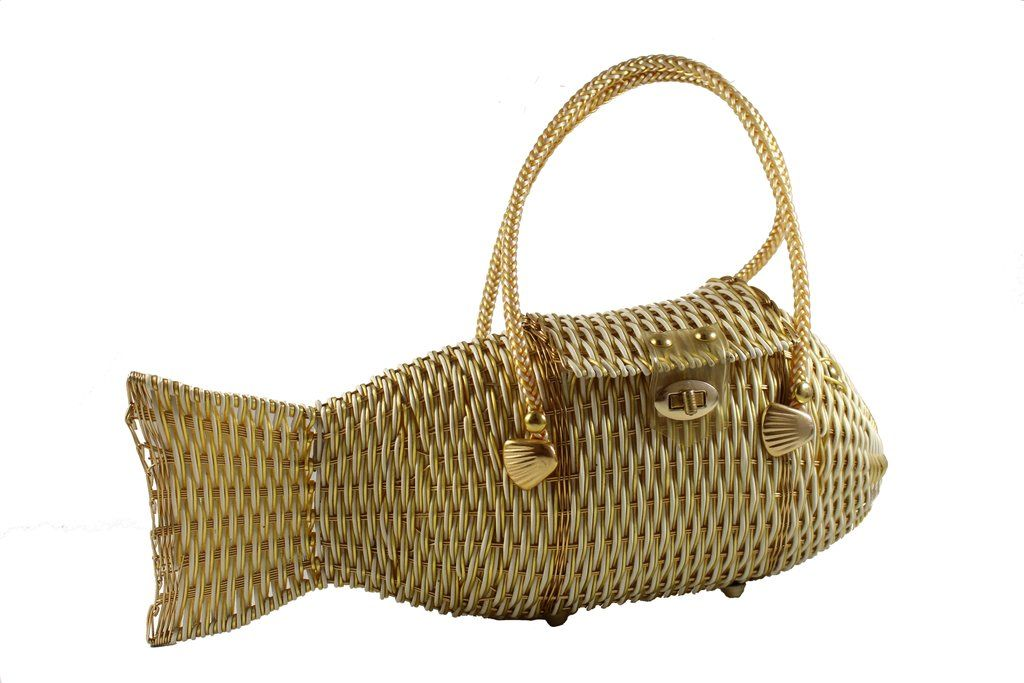 4b8f2e81aefb White and gold plastic wicker fish purse bag   Bags in 2019   Bags ...