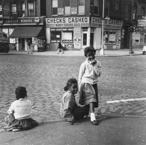 Lower East Side, New York City, c. 1940's. - Rebecca Lepkoff