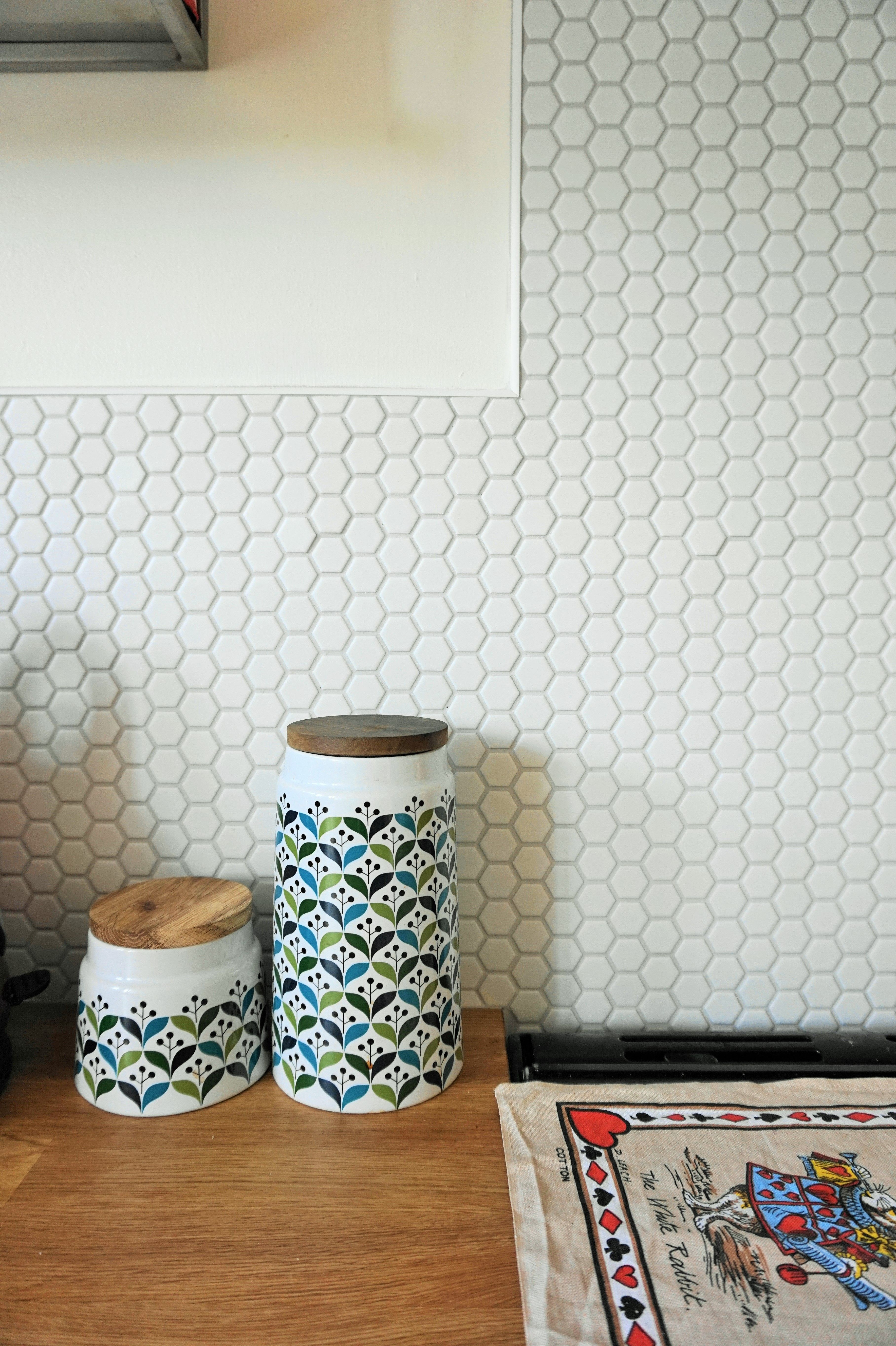 Hexagon Tiles ~ Splashback Revealed | Honeycombs, Kitchens and Modern