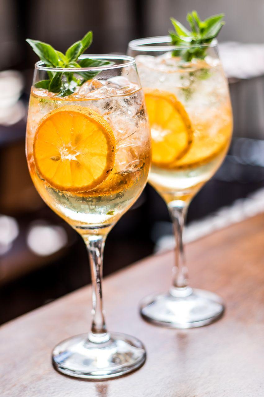 Drinks com espumante | Verão | Drinks receitas, Receitas ...