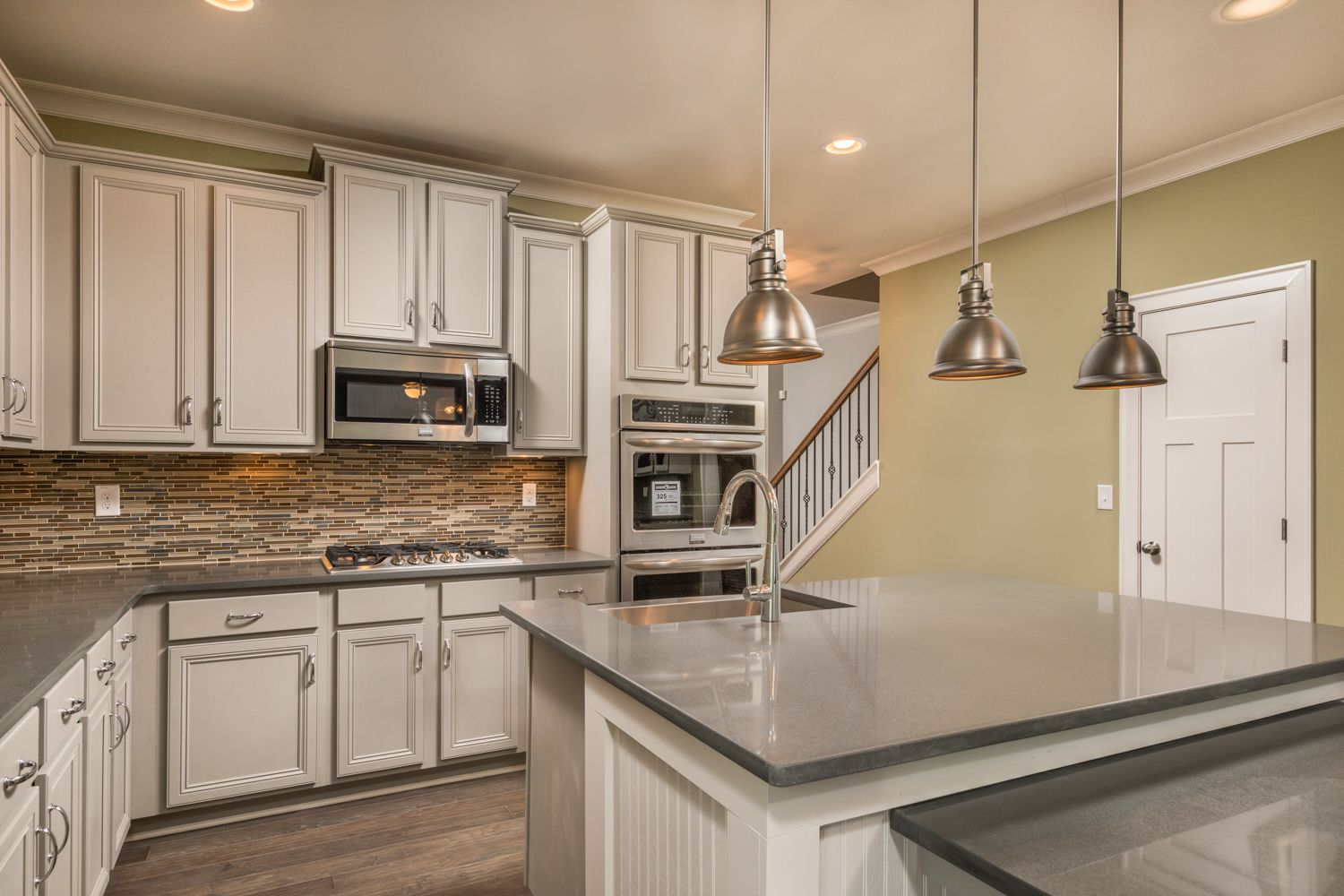 This Chattanooga Kitchen Is Very Functional But Does Not ...