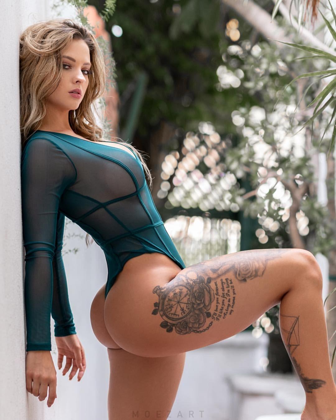 Девки в тату и бикини видео, фотосессии порнозвезд с большими жопами