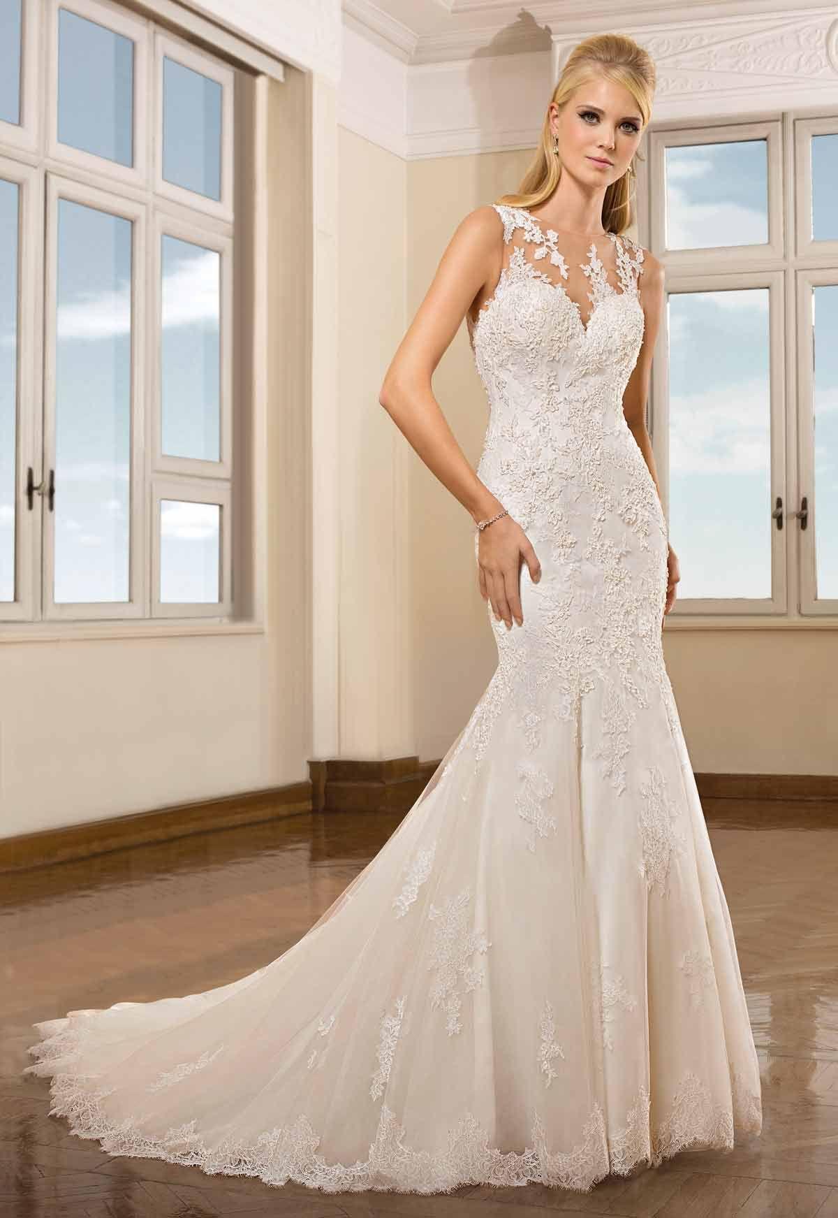 Tienda de vestidos de novia en Madrid de Cosmobella colección 2018 ...