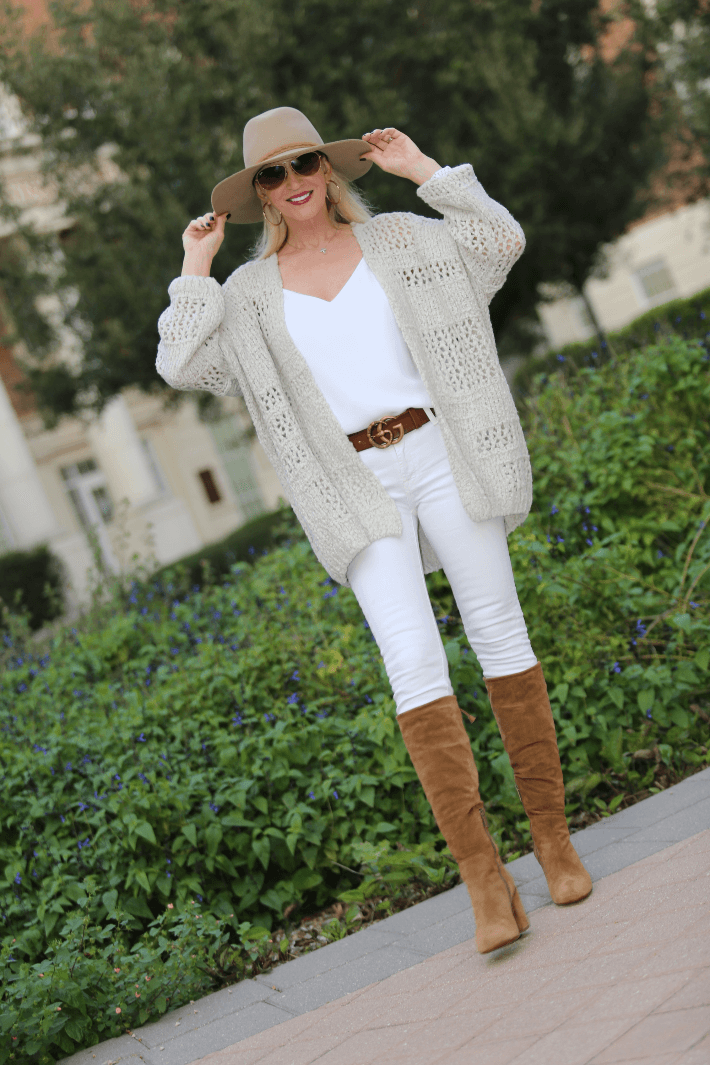 2b51dc3a88a Fashion Blogger  Truly Megan  wearing Free People Cardigan