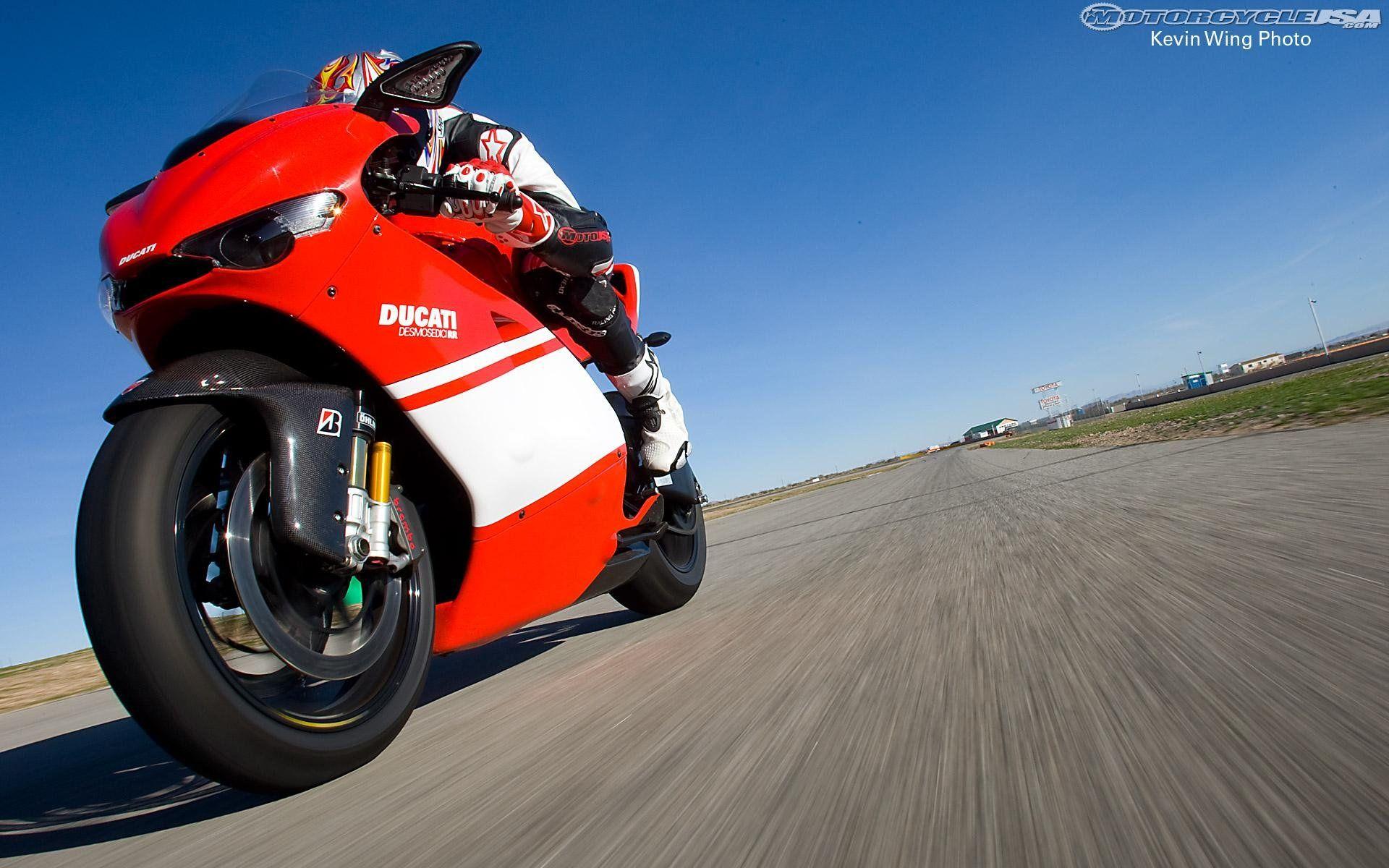 Ducati Desmosedici Rr Wallpapers Wide In 2020 Ducati Desmosedici Rr Ducati Desmo Ducati