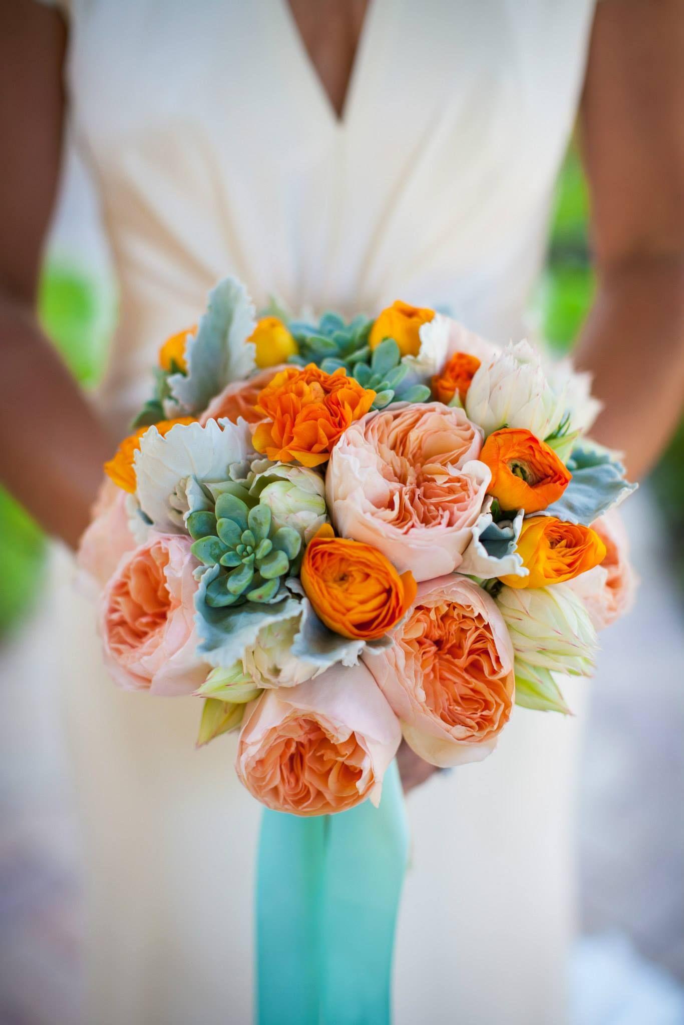 Желто оранжевый букет невесты, цветы подарить