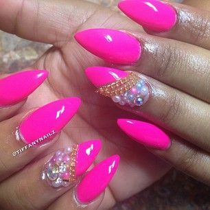 pink acrylic nails w/ gold chains and beadings
