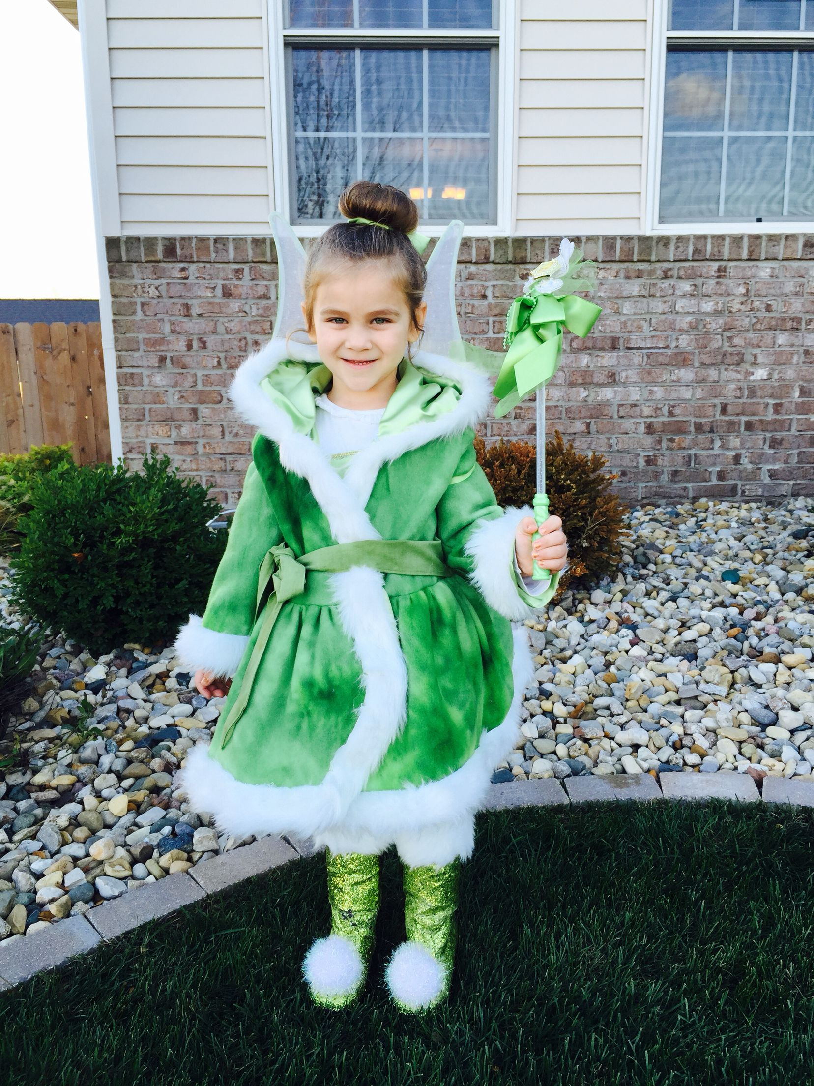 Diy Tinkerbell Winter Woods Used Willow Jacket Pattern Form Create Kids Couture Www Createki Winter Fairy Costume Tinkerbell Costume Toddler Diy Costumes [ 2208 x 1656 Pixel ]
