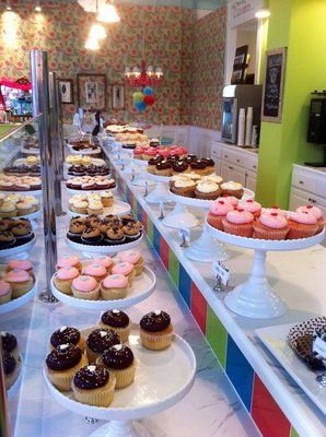Sweet Frostings Blissful Bakeshop. cute shop, brilliant cupcakes