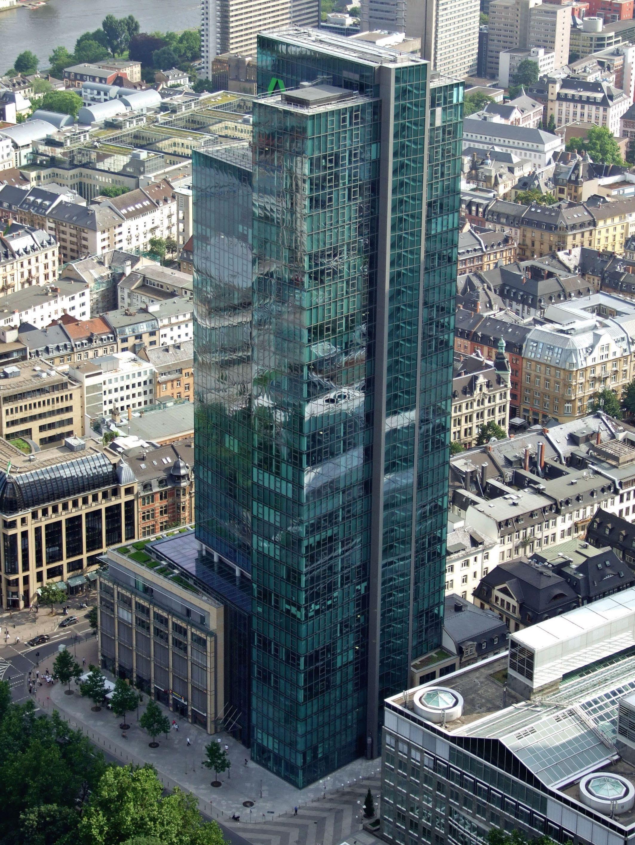 Gallileo Is A 38 Storey 136 M 446 Ft Skyscraper In The Bahnhofsviertel District Of Frankfurt Germany It Was Built From 1999 T Hochhaus Deutschland Dresdner