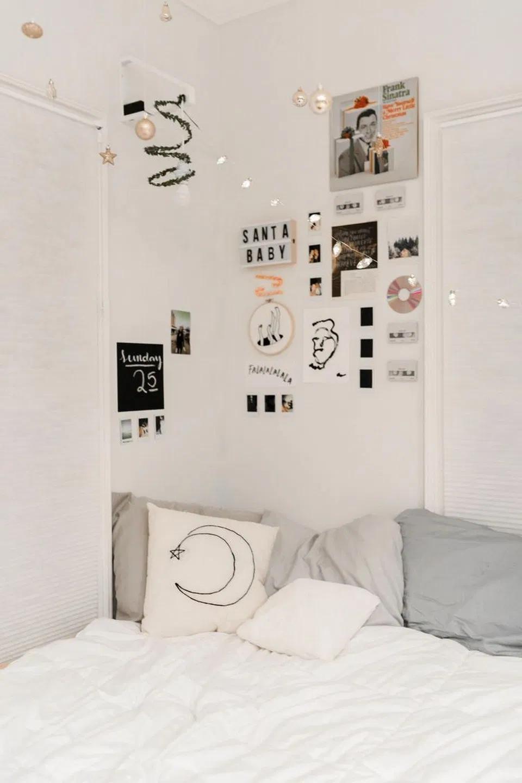 Let S Get Decorating 28 Perfect Bedrooms For Winter Hibernation 16 Birdexpressions Com Bedroomdecor Bedroo Bedroom Decor Home Decor Bedroom Aesthetic Rooms