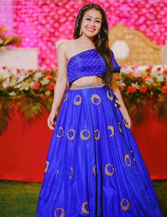 Neha Kakkar Height Weight Wiki Age Family Biography With Images Neha Kakkar Dresses Neha Kakkar Beautiful Outfits
