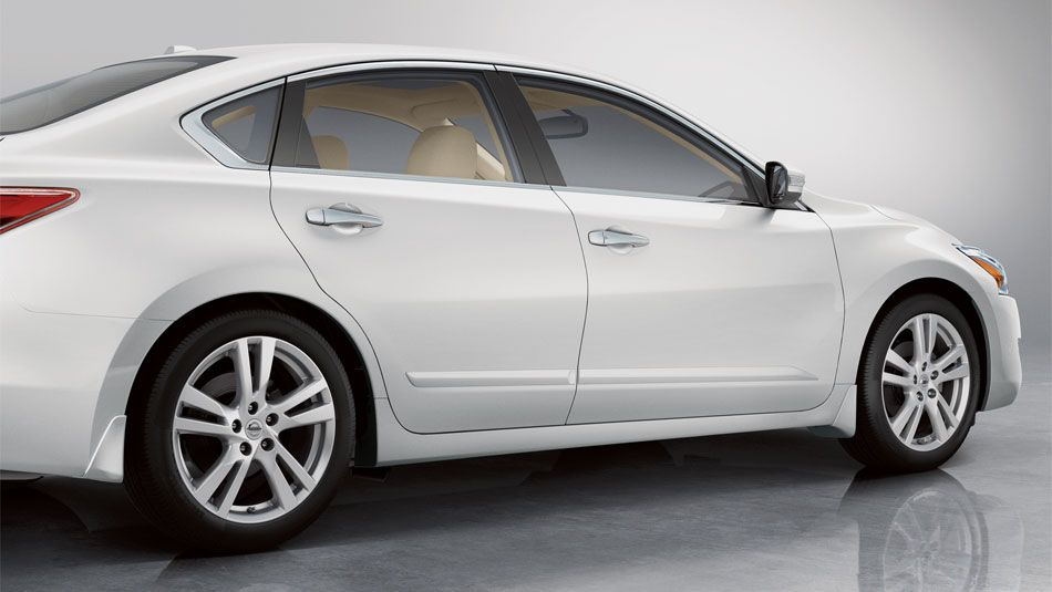 Nissan Altima 2013 Price And New Car Feature Review Altima Nissan Altima Car Features