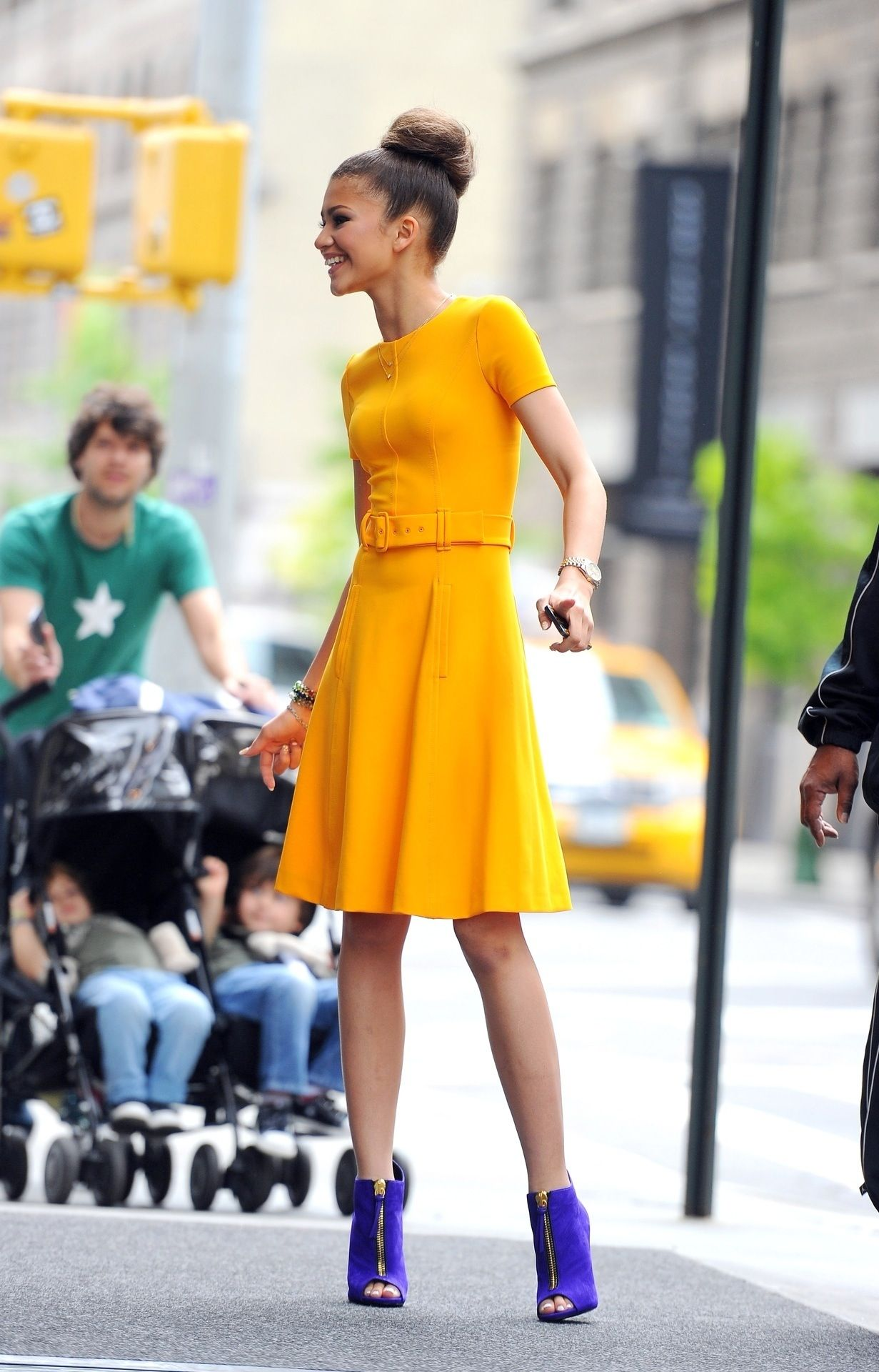 776d3debd28a6 Zendaya wearing a nice yellow dress and some super cute heels Vintage, Style,  Fashion