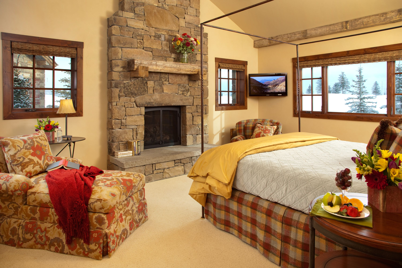 sleeps rentals trail teton cabin vacation weekly cabins jackson bedroom blackfoot springs hole co