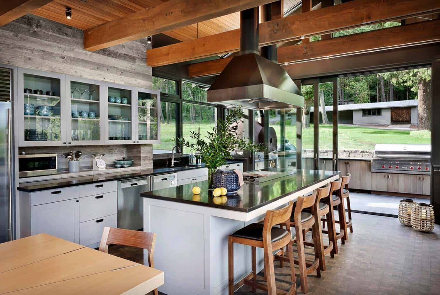 Modern Rustic Retreat Designed To Feel Like A Summer Camp On Orcas Island Rustic Kitchen Design Rustic Kitchen Interior Design Kitchen