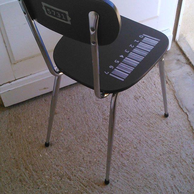 Unedeuxiemevie On Instagram Chaise Formica Relookee Avec Produits Eleonore Deco Eleonoredeco Chaise Peinture Pochoir Diy Chair Deco Decor