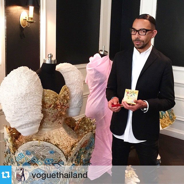 In the room with  the incredible dresses by #GuoPei and playing with the new @maccosmetics  collection! Thanks for this photo by @nichapats @voguethailand  #RomeroJennings  with @repostapp.・・・We talked with @maccosmetics' Director of Make Up Artistry, @romerojennings on his thought on their latest collaboration with Guo Pei, the Chinese couturier who designs the infamous yellow gown Rihanna wore last night! Photo by @nichapats