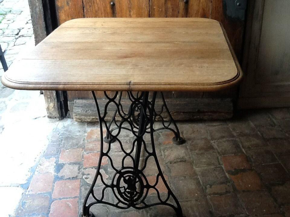 Table de salle à manger originale issue de recyclage du0027objets - rangement salle a manger
