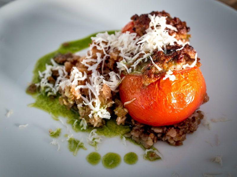 Täytetyt tomaatit kunniaan!