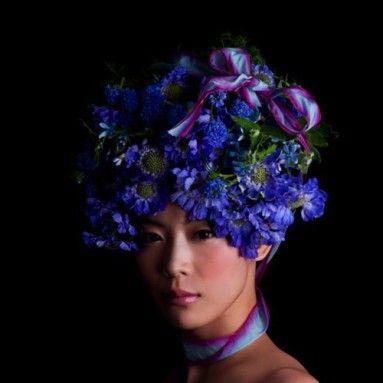 Coiffure de mariage classique avec une couronne de fleurs