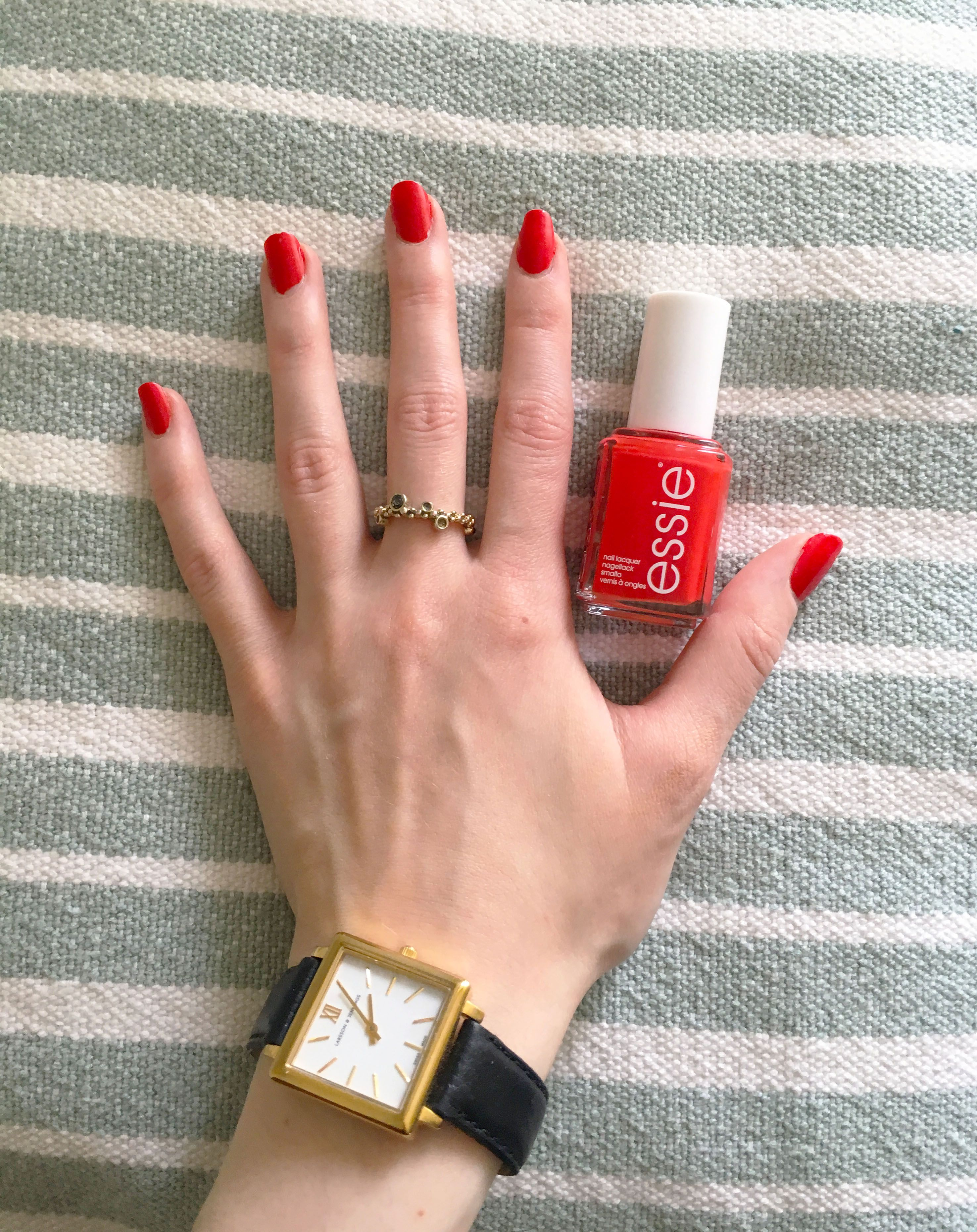 My shade of red Essie fifth avenue. More nail pics on