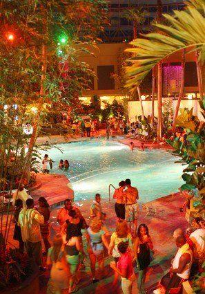 Insider Tips For The Pool At Harrah S In Atlantic City Atlantic City Nightlife Atlantic City Atlantic City Harrahs
