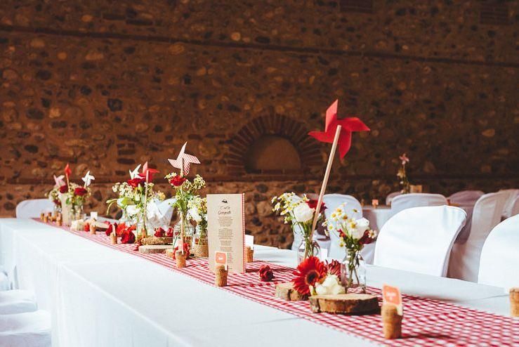 mariage guinguette vichy rouge moulin en papier paquerette d coration de table les. Black Bedroom Furniture Sets. Home Design Ideas