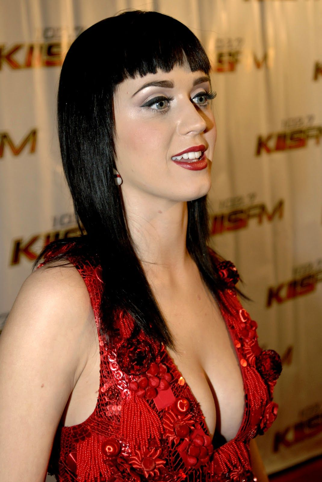 Properties Katy perry cleavage