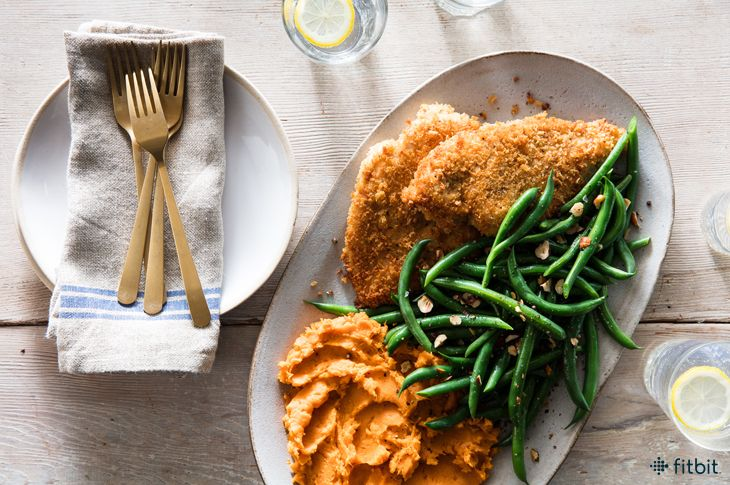 5-Ingredient Crispy Chicken with Sweet Potatoes & Green Beans #simplehealthydinner