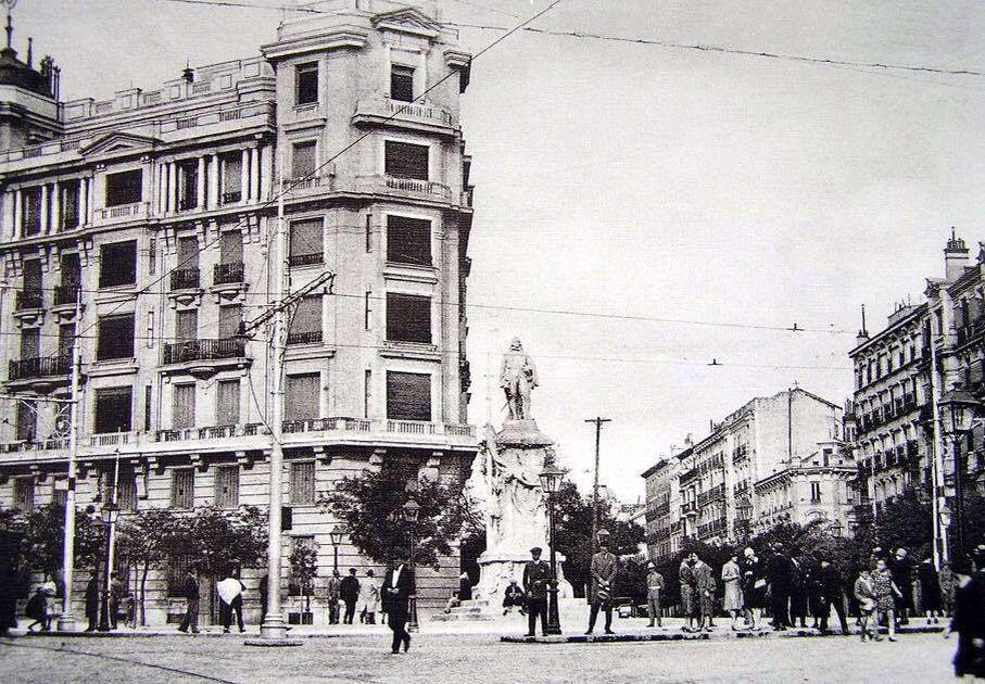 Glorieta de Alonso Martínez . 1930