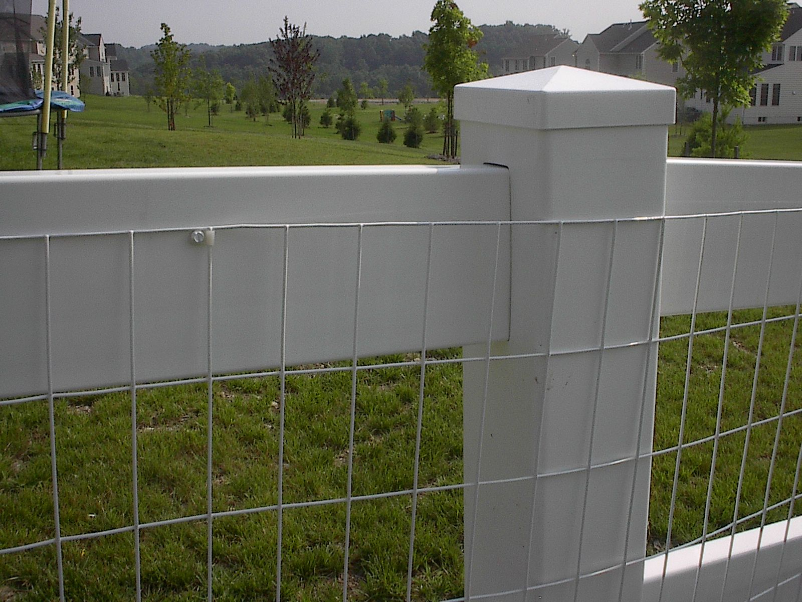 15) white vinyl coated welded wire mesh attached w/nylon clip ...