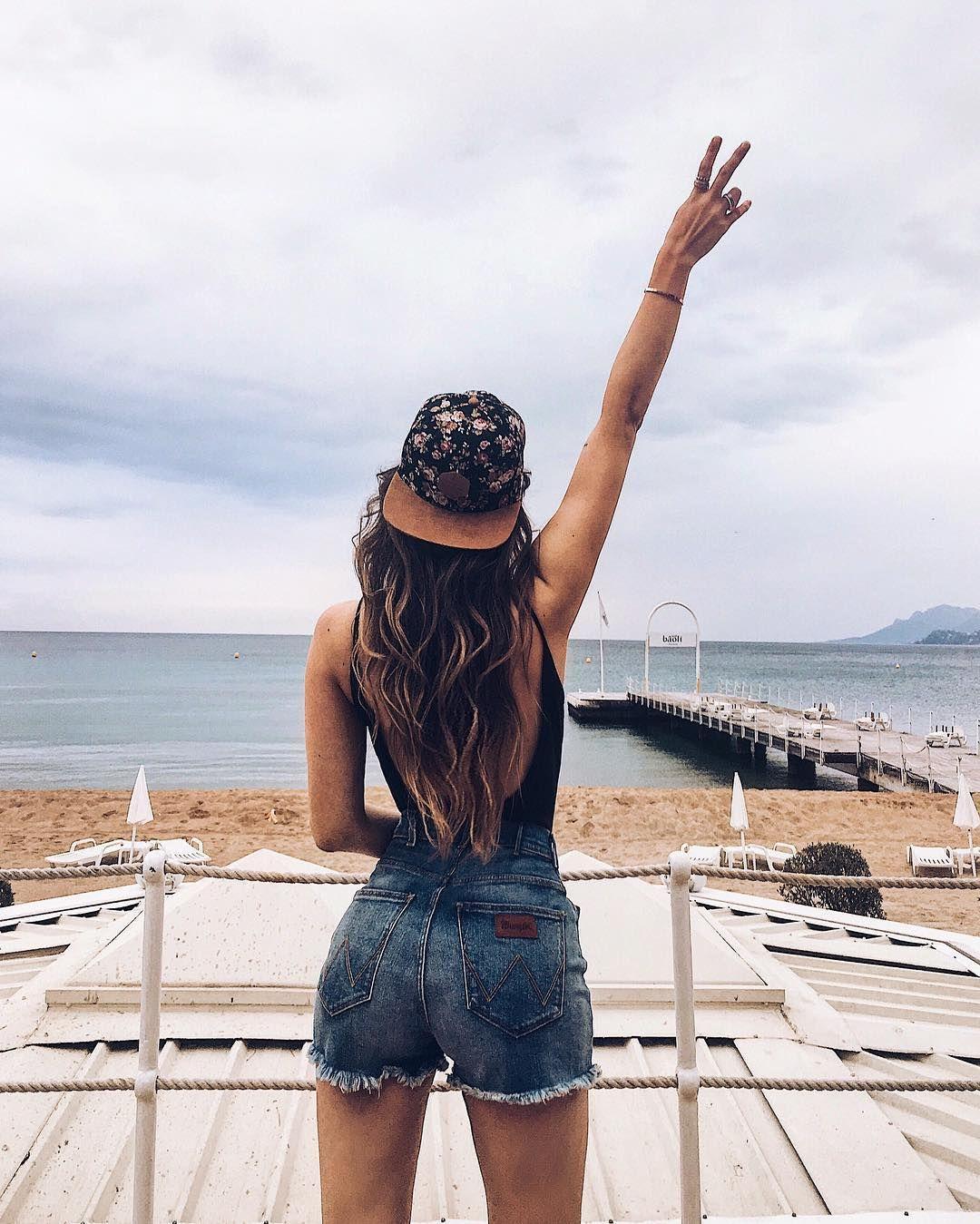 109 9 Tsd Abonnenten 402 Folgen 1 002 Beitrage Sieh Dir Instagram Fotos Und Videos Von Michele Krusi Thefashionfract Denim Shorts Fashion Womens Shorts