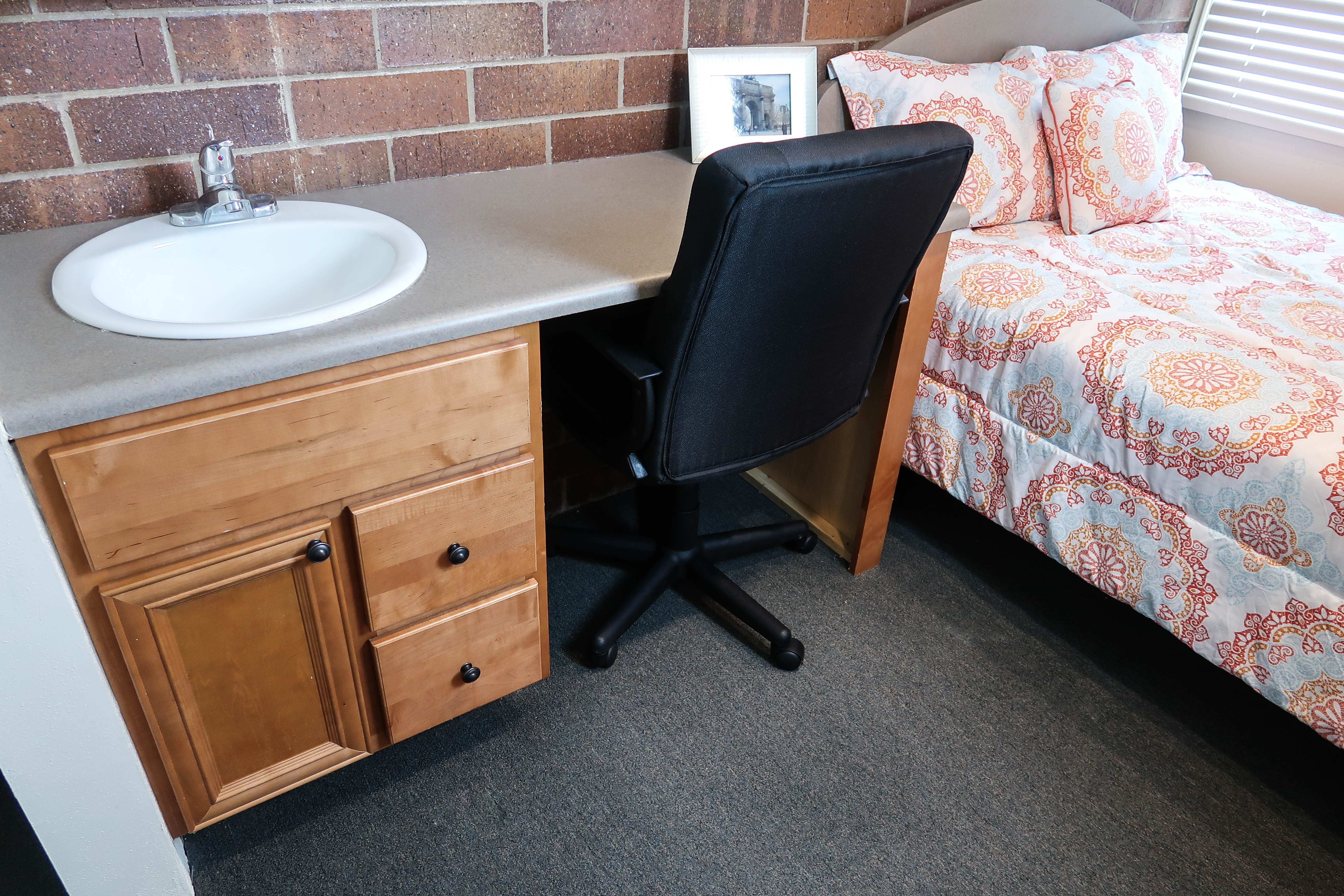 405 E White St University Of Illinois Apartment Two Bedroom Apartments Two Bedroom