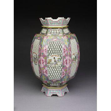 Lantern, porcelain, China, 1725-1750.