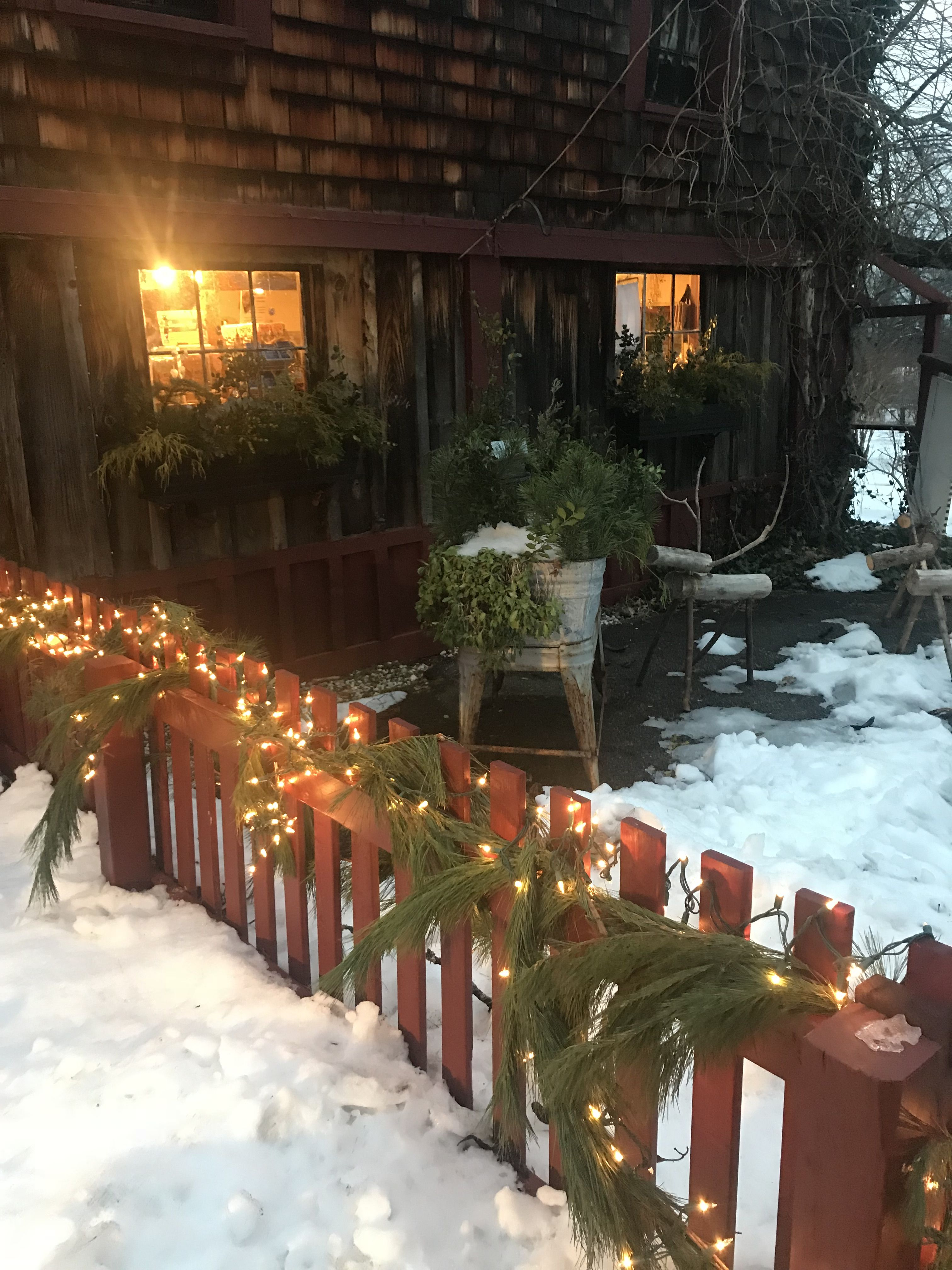 Pickity Winter Fence Lights (With images) Fence lighting