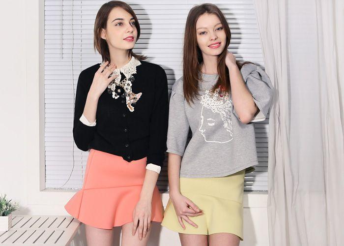 Neoprene Peplum Mini Skirt // Storets.com // #STORETS #Neoprene #MiniSkirt