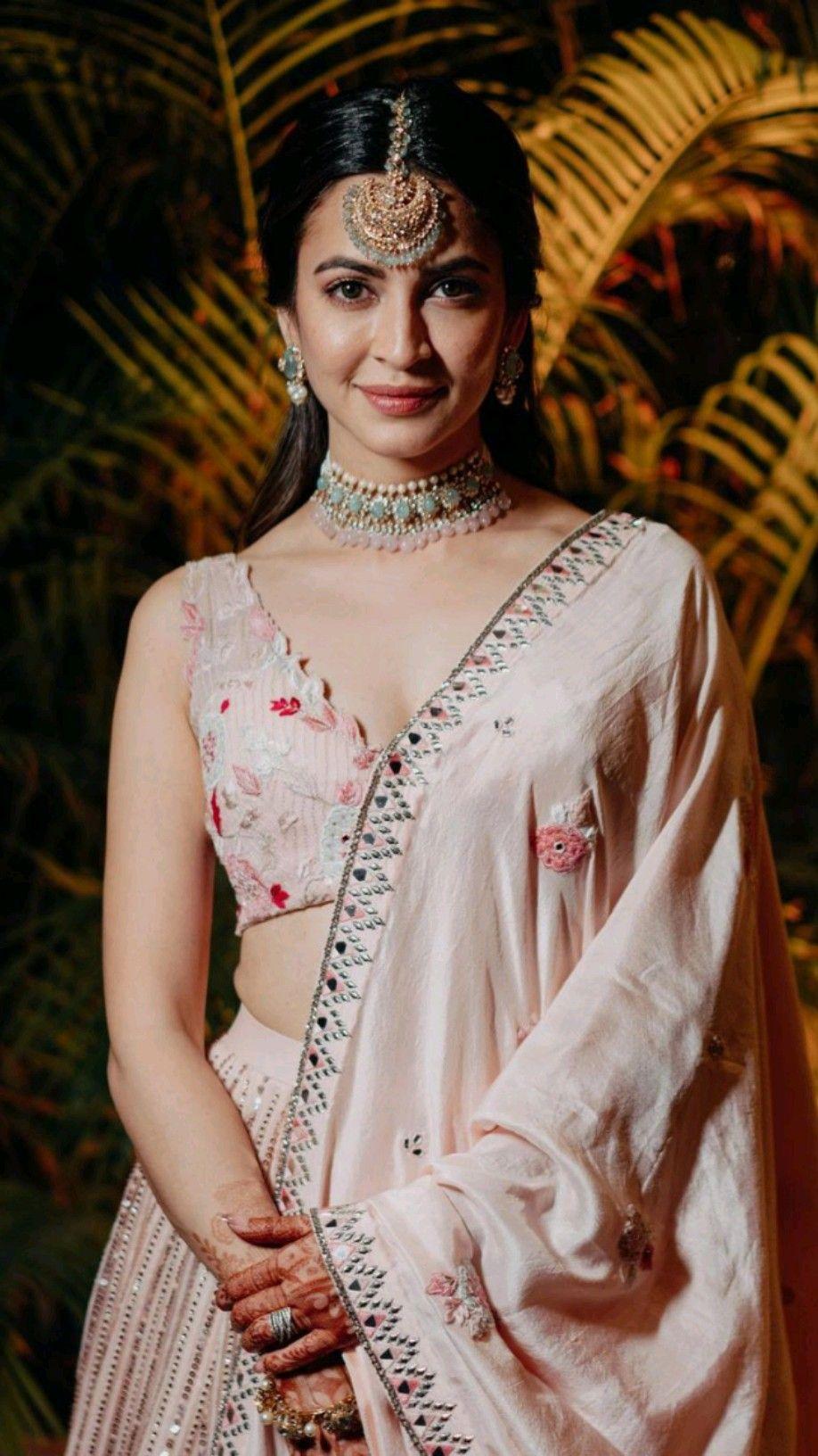900+ Stunning Lehengas ideas in 2021 | indian bride, bridal lehenga, bridal wear
