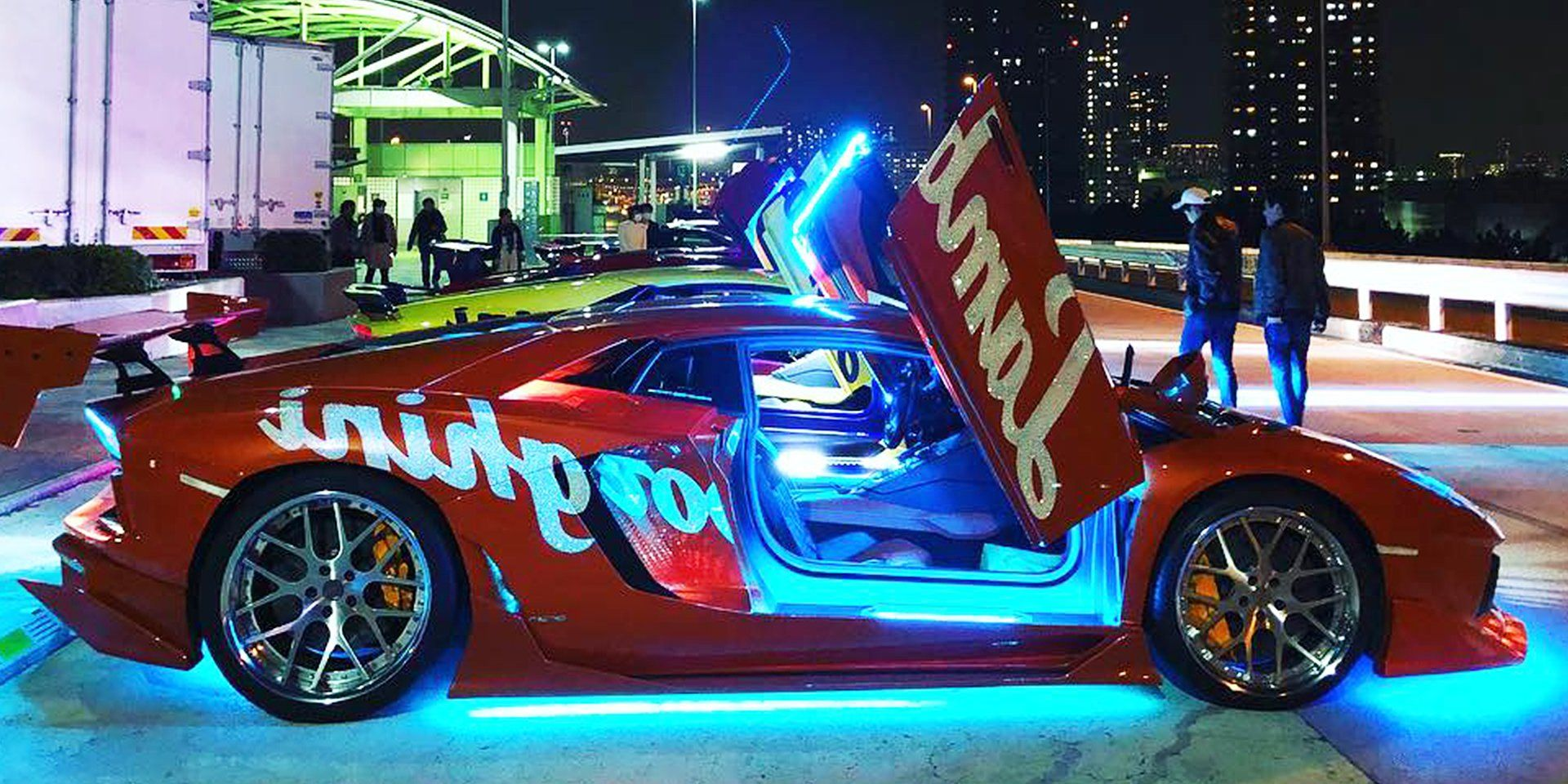 We Rode With A Fleet Of Custom Lamborghini Supercars On The Tokyo Expressway Custom Lamborghini Super Cars Fancy Cars