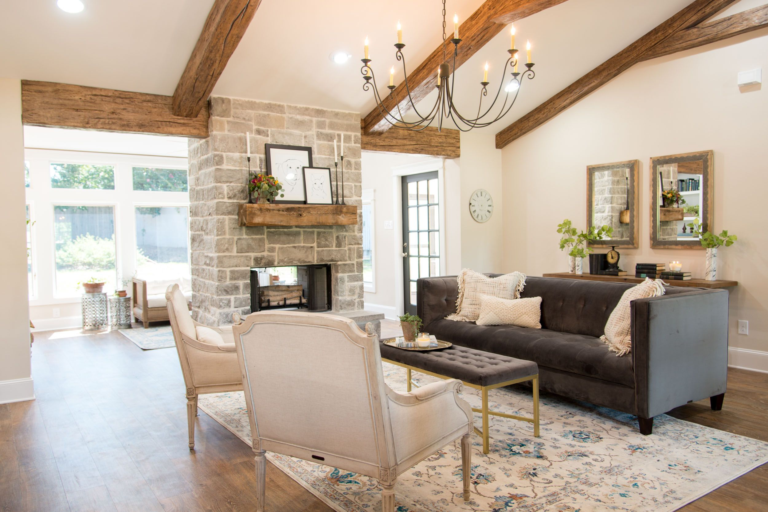 French Country Joanna Gaines Living Room Season 4 Episode 1 Interiors And Exteriors Fixer Upper