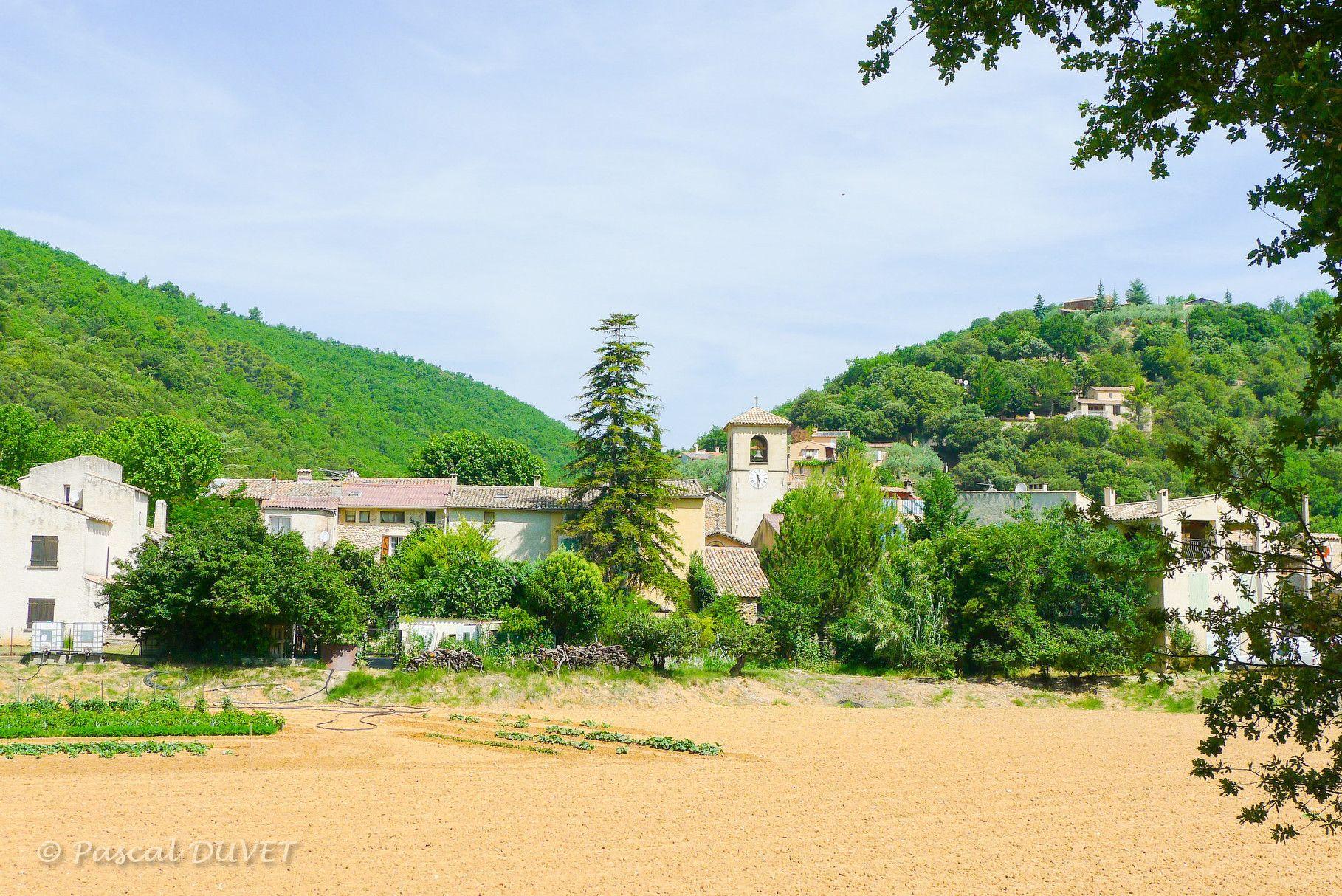 ORAF39 Village Le Castellet aux environs d'Oraison