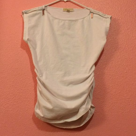 MICHAEL KORS white top w/zippers Pre owned fair condition Michael Kors Tops Tees - Short Sleeve