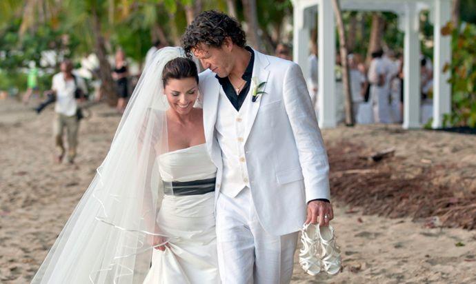 Shania Twain Celebrates Fourth Wedding Anniversary Celebrity Wedding Photos Celebrity Wedding Dresses Celebrity Weddings