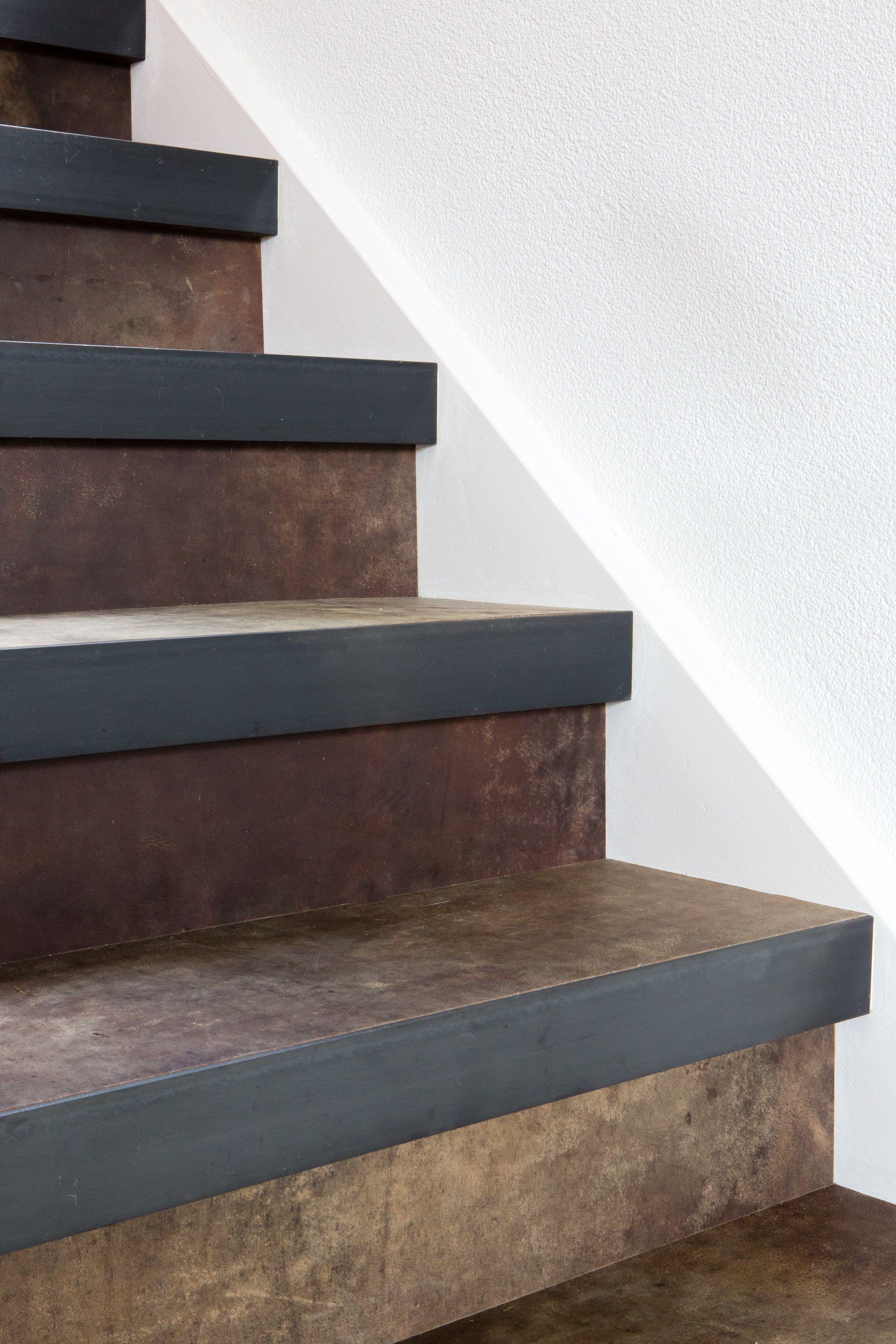 Een leren trap designed by Bertram Beerbaum decor Extreem