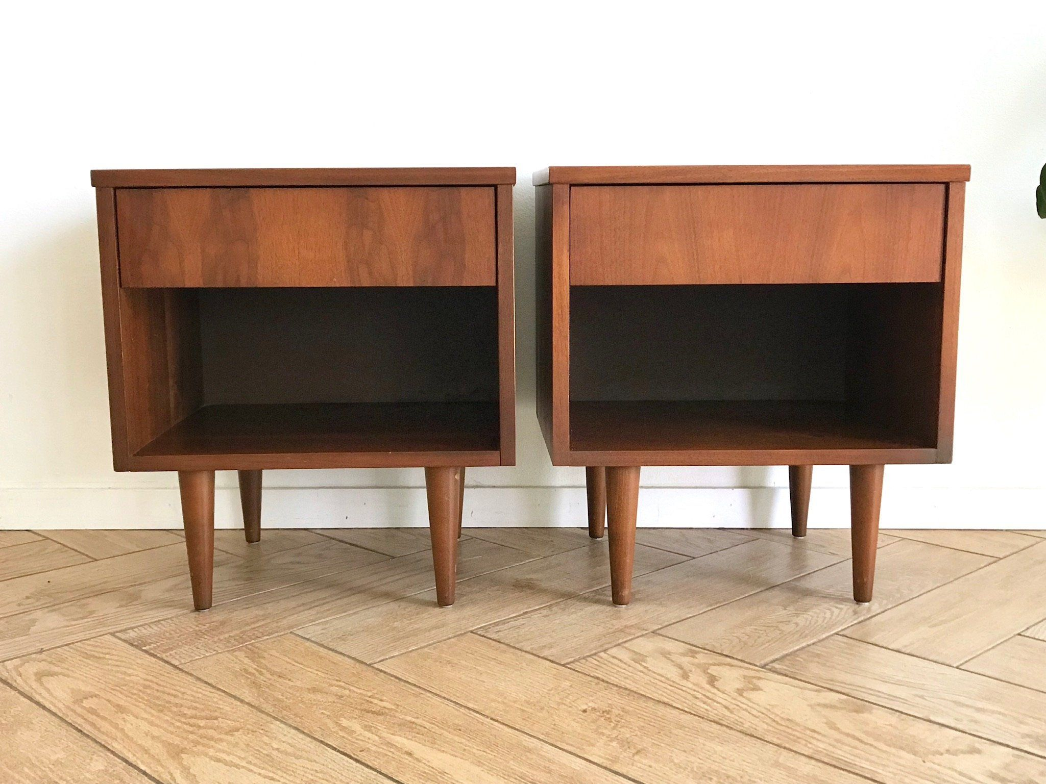 Mid Century Modern Matching Nightstands Set Of 2 Solid Wood Mcm
