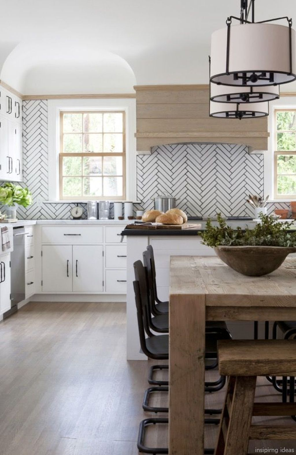 80 beautiful modern farmhouse kitchen backsplash ideas modern farmhouse kitchens beautiful on farmhouse kitchen backsplash id=15227